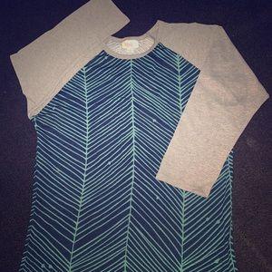 Quarter length lularoe shirt